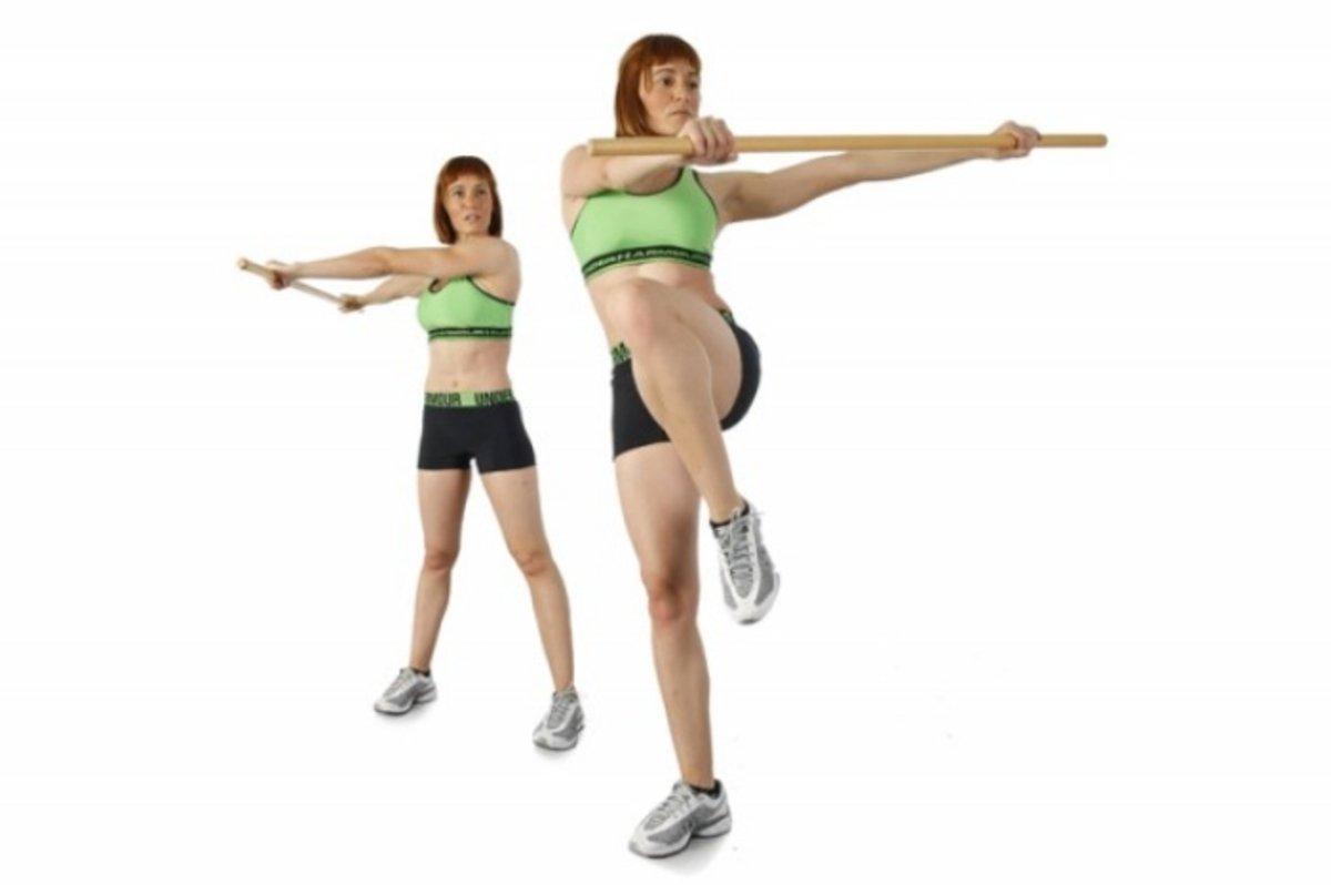 3 ejercicios con bastón para reducir la cintura