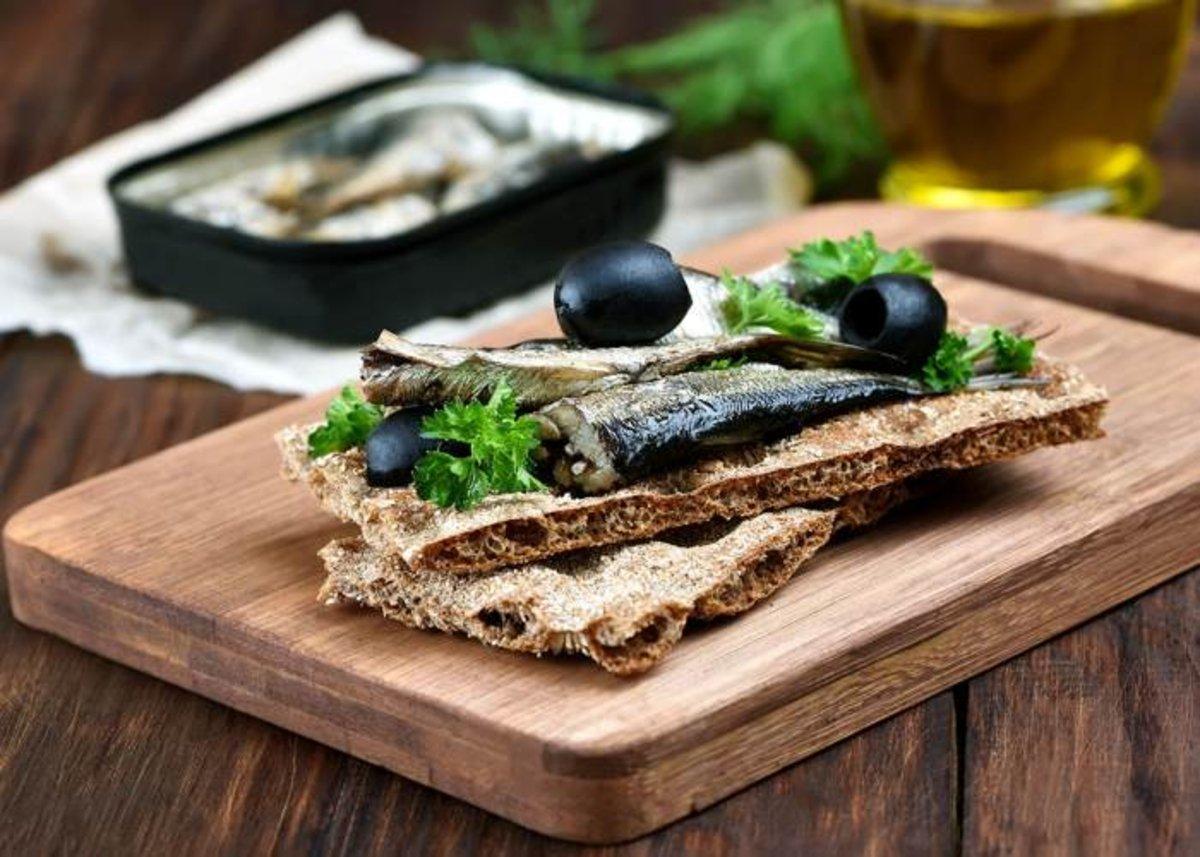 Tostas-con-sardina-de-lata